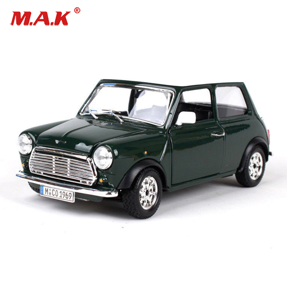 Kids toys 1/24 Scale Green 1969 Retro Vintage Vehicle Diecast Car Model Toy Gift Boys Gift Car Toys for Collection