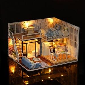 Image 5 - CUTEBEE DIY bebek evi ahşap bebek evleri minyatür Dollhouse mobilya seti çocuklar için LED oyuncaklar noel hediyesi L023