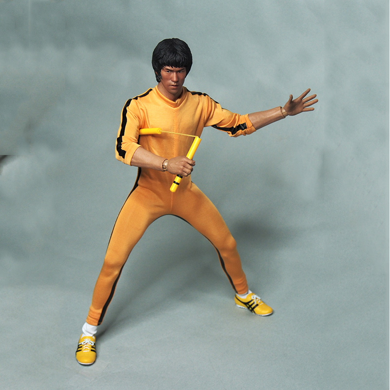1/6 Scale Male Clothes Suit The Game of Death Bruce Lee Head Sculpt & Kungfu Clothes Set Colletible Action Figures Without body 1 6 soldier clothes death game bruce lee suit head carving fit 12collectible doll toys accessories