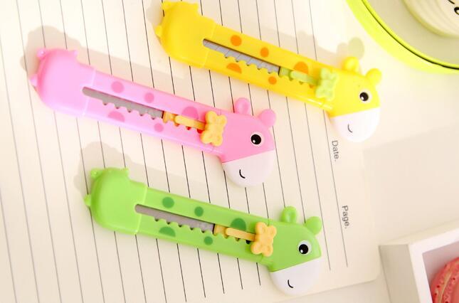 20 pcs lote girafa mini cortador manual 04