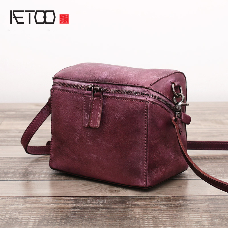 AETOO The first layer of leather handbags original simple stereotypes portable small square package retro wild shoulder diagonal the skm500ga124dh6 package on the original disassemble