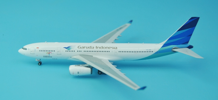 new Fine Phoenix 1: 400 11330 Indonesian Airlines A330-200 PK-GPS Alloy aircraft model Collection model Holiday gifts fine phoenix 1 400 11198 thai airways b787 8 hs tqb alloy aircraft model collection model holiday gifts