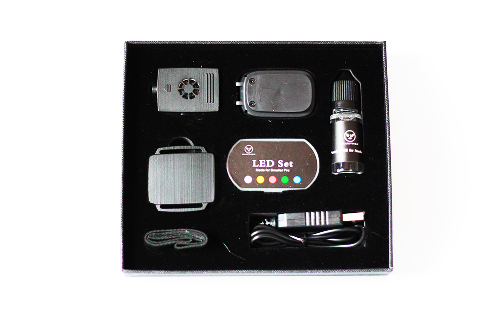 Flash Mini Remote Control Smoke Device,Charge Magic Tricks Magic Props Mentalism,close Up Street Magic,gimmick,smaller Pro