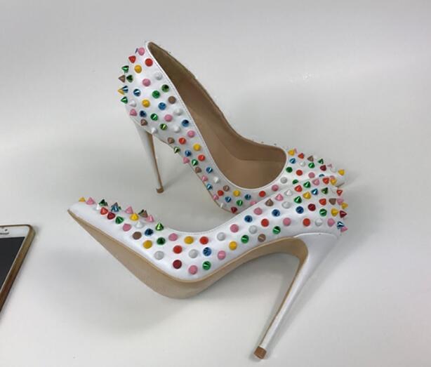 Mujer De Spikes Sexy Del Dedo Altos Tacones Diseñador Lujo Mujeres Sandalias Heel 8cm 10cm Bombas Zapatos Heel Punta Remaches 12cm Heel Las Pie Moda 4w6dOI