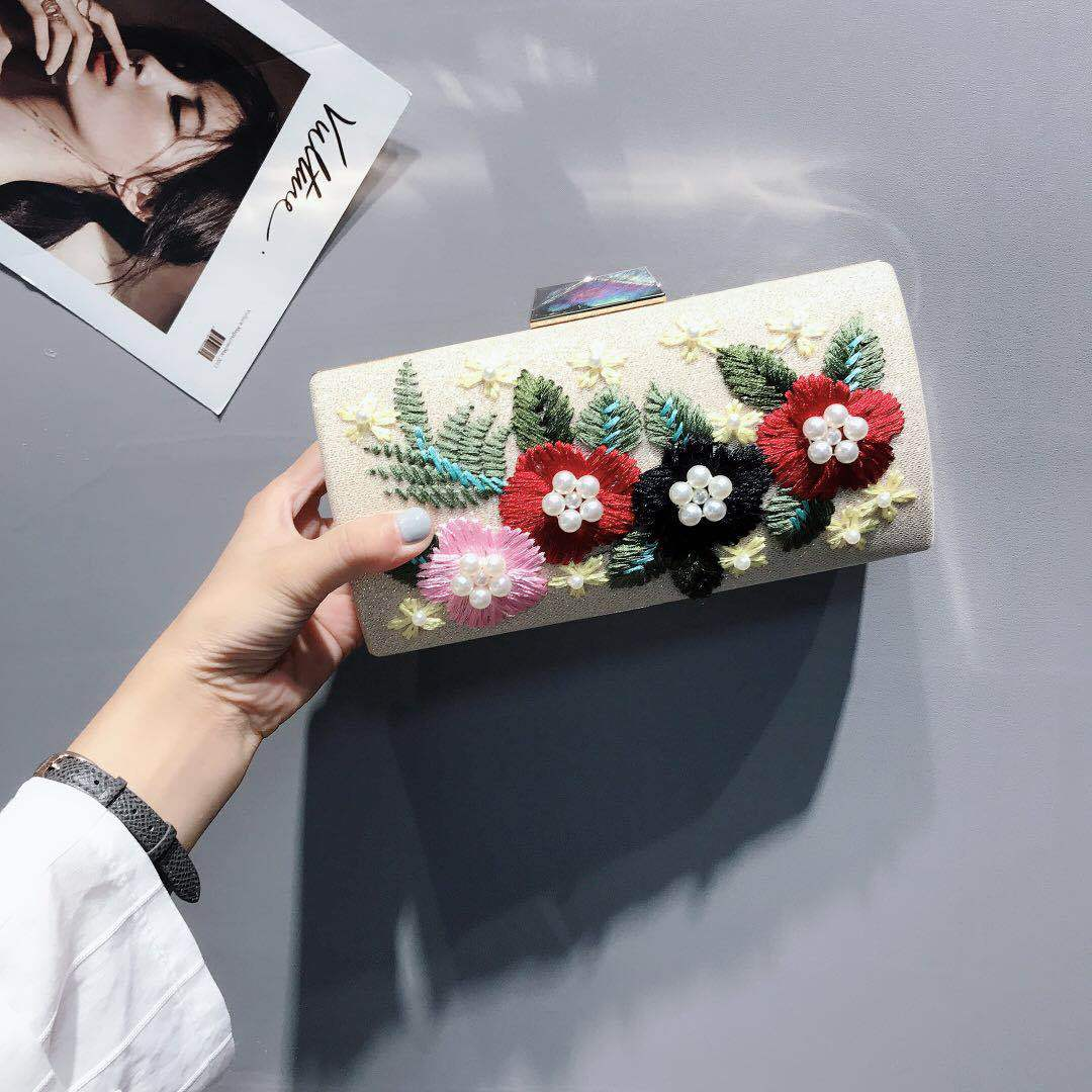 Get Closer To Nature, Graceful Ladies' Day Clutches, New Embroidered Evening Banquet Bags, Shiny, Horizontal Square Bags. женские пуховики куртки shiny day 2015 xxxl smtt011