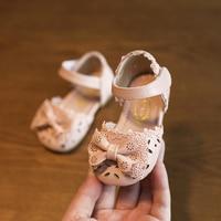 2018夏かわいいレースの蝶の結び目ベビーシューズ包頭サンダル0-1-2年古い子供靴幼児の靴