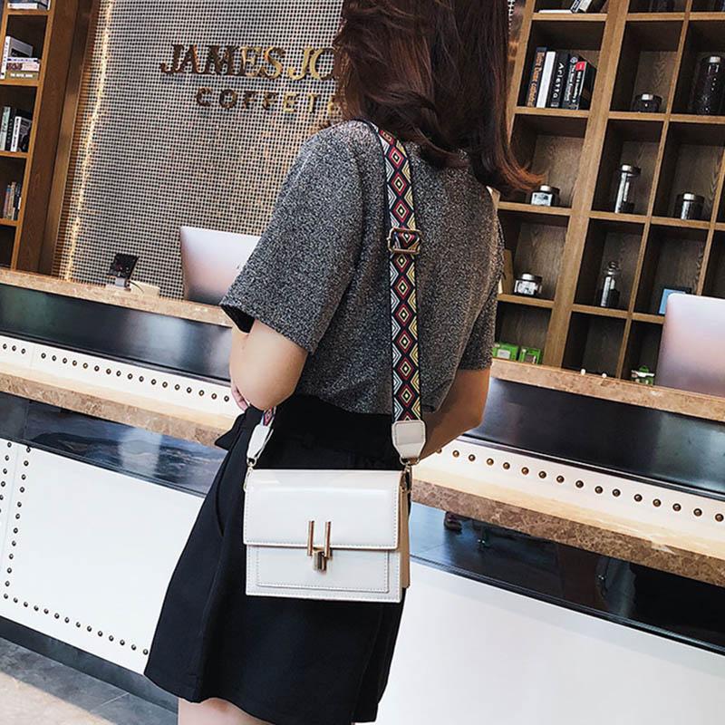 New Women Fashion Width Shoulder Bags INS Popular Female Exquisite Solid Handbag Mini Flap Lady Travel Chains Crossbody SS3474 (14)