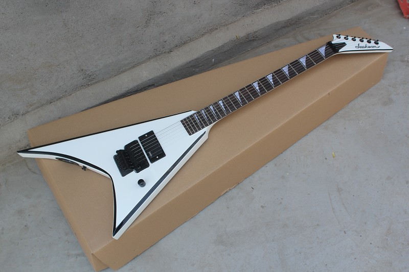 En gros top qualité Custom Shop Blanc Jackson Flying V Blanc Guitare Électrique en stock livraison gratuite 14-4-1
