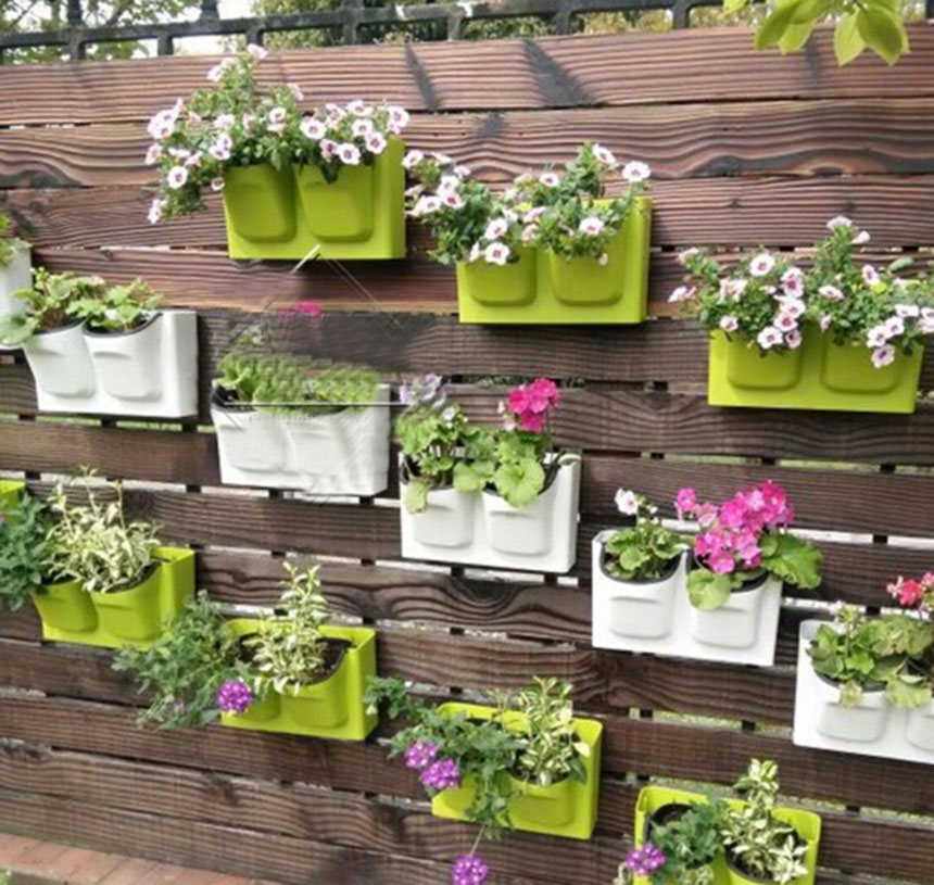 26 5x16cm plastic flower pot balcony wall hanging pots for Balcony wall decoration