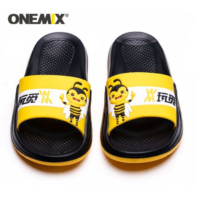 ONEMIX Summer Men Beach Sandals Unisex Slippers Personality Graffiti Skin Friendly Indoor Outdoor Women Wading Flats Shoes Men
