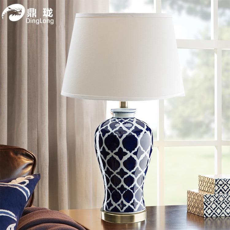 TUDA ücretsiz kargo çin tarzı masa lambası el boyalı mavi ızgara seramik masa lambası için otel fuaye yatak odası başucu lambası E27