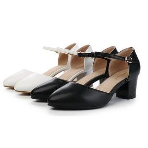 Image 5 - Женские кожаные сандалии Yalnn, на высоком каблуке, с ремешком на щиколотке, для вечеринок, большие размеры 34 43, 2019