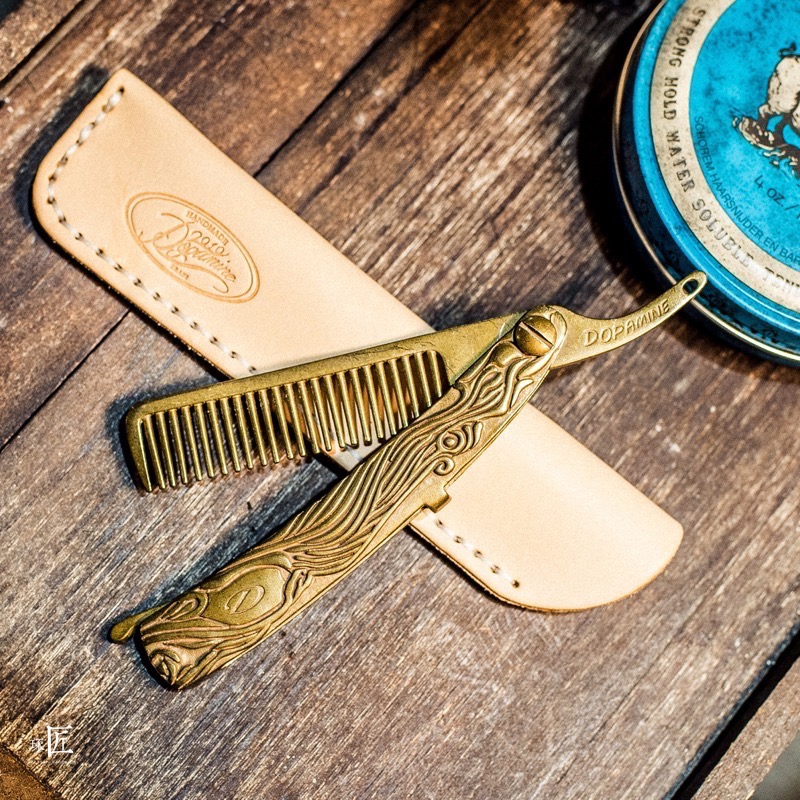Pure Brass Mens Vintage Comb American Ratro Oil Slick Styling Hairbrush Portable Hair Trimmer Hairdresser Gorgeous Tool UN972Pure Brass Mens Vintage Comb American Ratro Oil Slick Styling Hairbrush Portable Hair Trimmer Hairdresser Gorgeous Tool UN972
