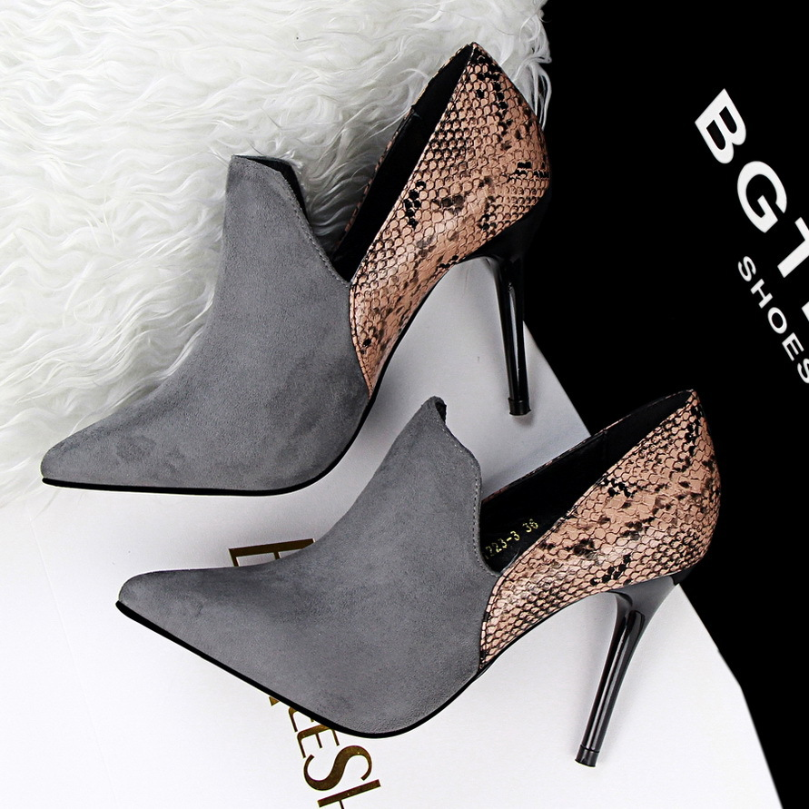 Fashion Wedding Shoes Pumps Women Patchwork Snake Skin Pointed Toe High  Heels Shoes Zapatos Mujer Chaussure Femme Red Black Grey-in Women s Pumps  from Shoes ... 80048b6eb2b4