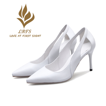 SexeMara 2017 Spring Autumn Genuine Leather Women Pumps Simple Vintage High Heel Woman Shoes