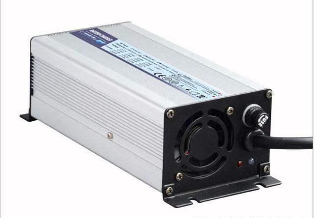 6 S Li ion / Lipo / Li-NiCoMn cargador de baterIa 25.2 V 10A