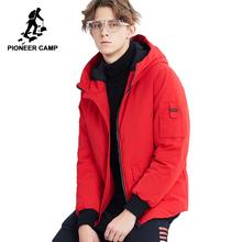 Pioneer camp nowe krótkie zimowe parki męskie czerwone modne ciepła kurtka z kapturem grube dobra jakość płaszcz parki męskie AMF801485 tanie tanio Spray-bonded Wata Poliester 0 8kg Mężczyźni REGULAR Na co dzień NONE Stałe zipper Płótno 100 polyester