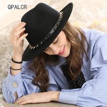 QPALCR 2018 Otoño Invierno hombres lana Fedora sombreros remache diseño ala  ancha lana fieltro sombrero negro Iglesia Panamá Cap. 5b298d2c84e