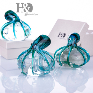 Image 4 - Стеклянные фигурки осьминога H & D ручной работы, подарок на Рождество, день рождения, домашний декор, вес сине зеленой бумаги