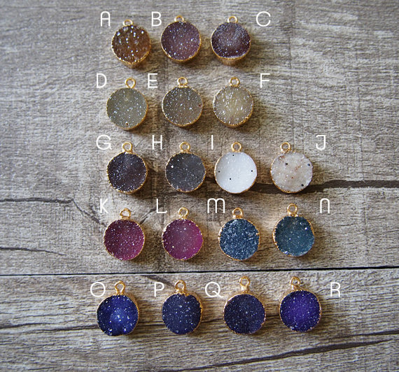 Wholesale natural round druzy at gate pendant, tiny lovely at gate - Fashion Jewelry