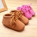2016 de LA PU de Cuero de gamuza franja Mocasines Bebé recién nacido Bebe shoes lace up suaves del Bebé Zapatos Primer Caminante de Prewalker Chaussure