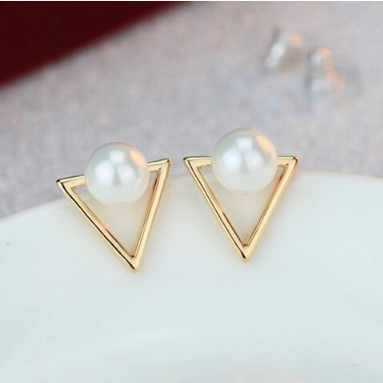 Hot Sale Trendy Nickel Free Earrings Fashion Jewelry 2019 Pearl Earrings For Women Brincos Oorbellen Cute Triangle Stud Earrings
