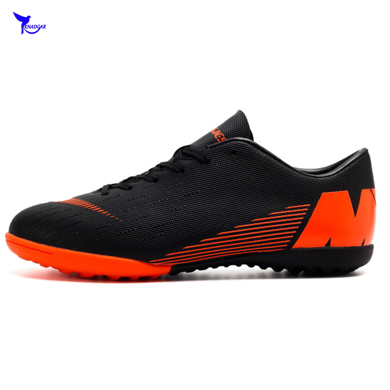 Size 35-45 Men Women 2019 NEW Turf Indoor Soccer Shoes Kids Futsal Cleats Hard Court Training TF Football Boots Sport Sneakers
