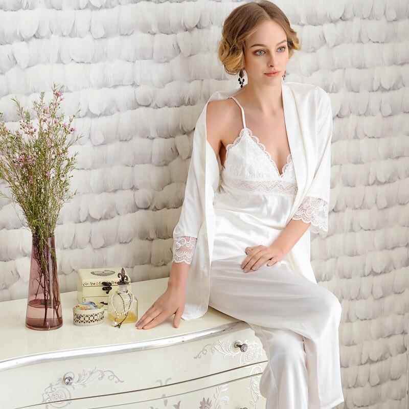 f51ee814fea Шелковые пижамы для Для женщин Благородный белый халаты кружева пижамные  комплекты женские шелковые пижамы 3 picecs комплект