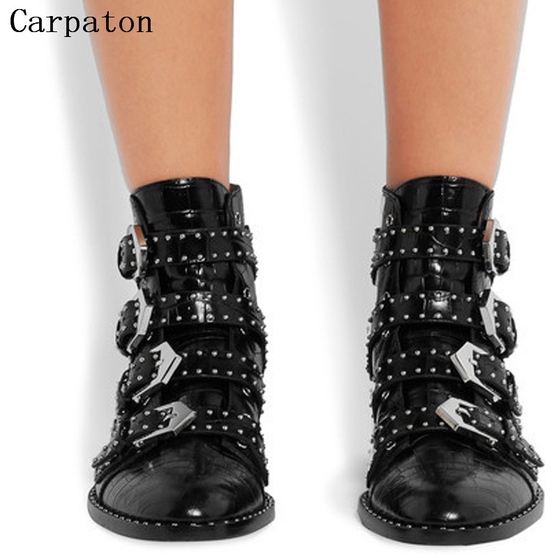 Women Black Studded Multi-Buckle Boots Punk Style Flat Ankle Boots Black Leather Fashion Winter Rivet Boots women martin boots 2017 autumn winter punk style shoes female genuine leather rivet retro black buckle motorcycle ankle booties