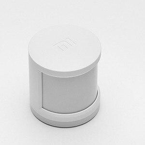 Image 3 - 2017 Originele Xiaomi Smart Home Kit Automatische Beveiligingssysteem Gate weg Draadloze Schakelaar Menselijk Lichaam Sensor En Deur Raam Sensor