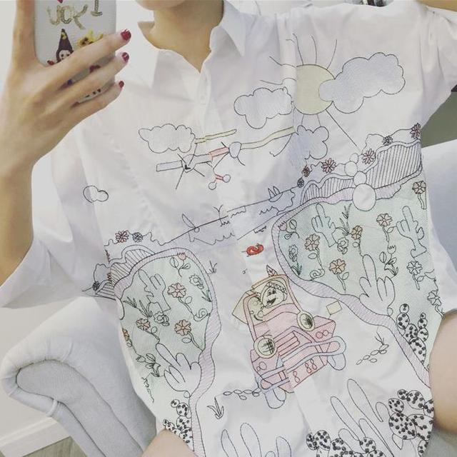 Nova primavera e verão mulheres soltas camisa branca bordado longo blusa graffiti dos desenhos animados da moda
