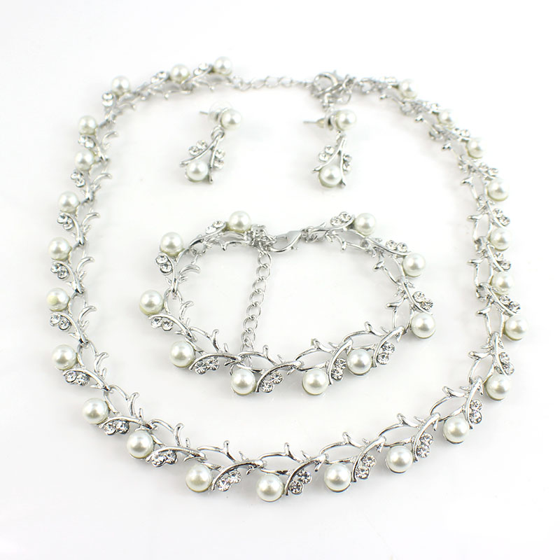 HTB1wmSySFXXXXXSXVXXq6xXFXXXh Luxurious Pearl And Crystal Wedding Party Jewelry Set - 5 Colors