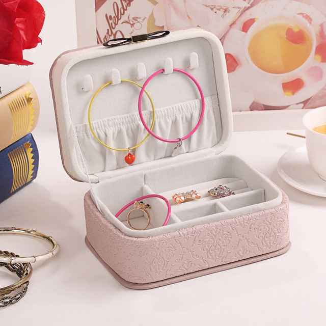 Portable Jewelry Travel Storage Box Design Embossed Gold Jewelry Butterfly Bow  Tie Box Diamond Ring Pendant
