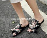 2017 Luxury Silk Embroidery Slipper Woman Bow Open Toe Flower Rhinestone Flat Shoes Women High Quality
