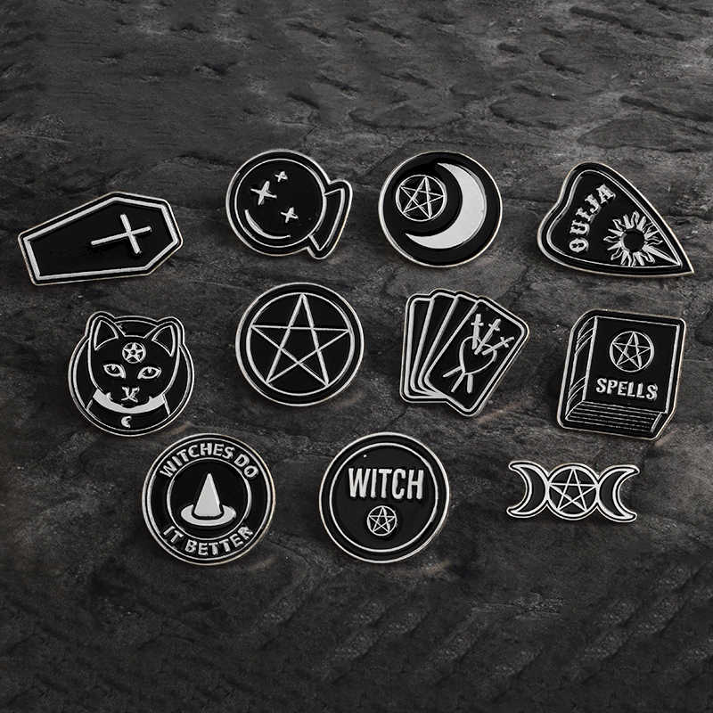Festa di Halloween Accessori Punk Scuro Nero Ouija Luna Pugnale Cuore Sfera di Cristallo Incantesimi Streghe Bara Dello Smalto Lapel Pin Badge