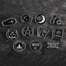 Accesorios para fiestas de Halloween Punk oscuro Ouija Luna daga corazón cristal bola hechizos brujas ataúd esmalte pin para solapa con insignia