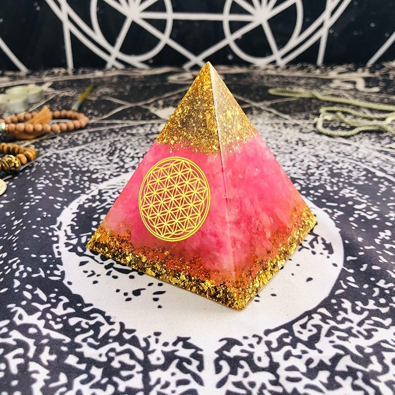 Orgonite Pyramid Ariel Anahata Chakra Natural Powder Crystal Improve Human Creativity Resin Pyramid Crafts Decoration