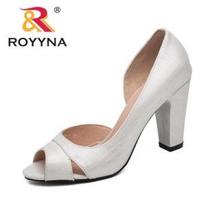 Image 3 - ROYYNA نمط جديد النساء مضخات الضحلة النساء أحذية عالية الكعب سيدة أحذية الزفاف مريحة ضوء حجم 5.5 8.5 شحن مجاني