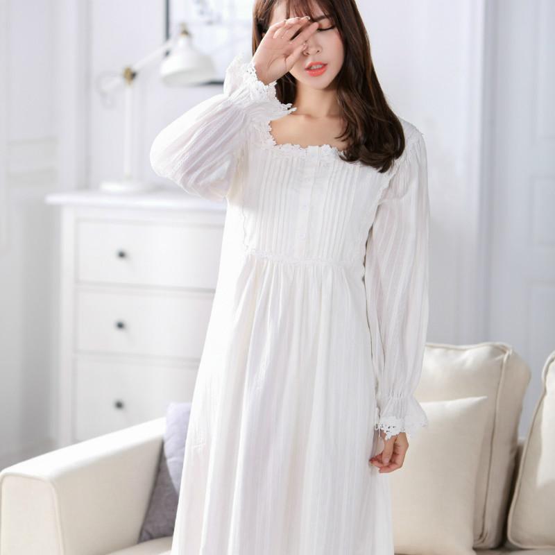 2cf2d4ccf1 2017 Vintage Romantic Classic Princess Long Sleeve Sleepwear Robes Women  100% Cotton Lace Nightgowns Maternity Sleep Dress CC198-in Sleep   Lounge  from ...