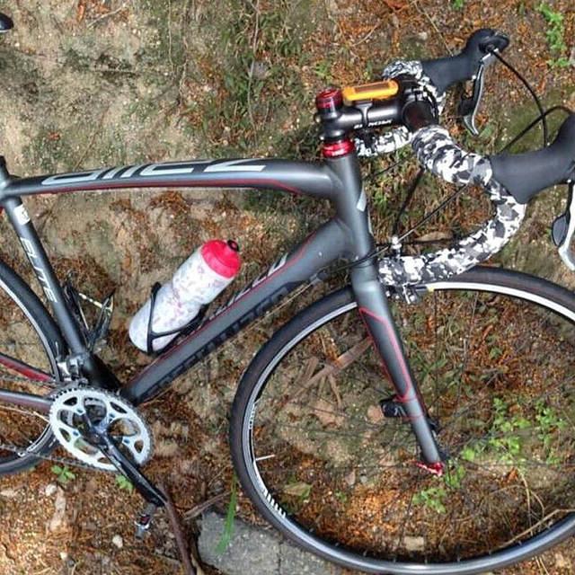 Bike handlebar Belt Sweat Absorbent Non Slip Colorful Cycling Handle Belt Bike Bicycle Cork Handlebar Tape Wrap +2 Bar HC0103 5