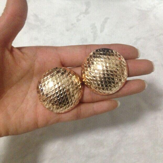 European Female Fashion Clic Alloy Gold Stud Earrings Leisure Wild Temperament Metal Earring Jewelry Free Shipping