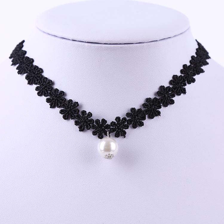 Manufacturers direct harajuku vintage velvet with lace collar chain punk girl necklace sweater