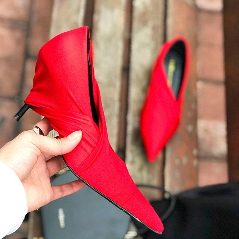 2019 หรูหราสีแดงซาตินปั๊มผู้หญิงชี้นิ้วเท้าแปลกรองเท้าส้นสูงรองเท้าผู้หญิงแฟชั่นรองเท้า-ใน รองเท้าส้นสูงสตรี จาก รองเท้า บน   2