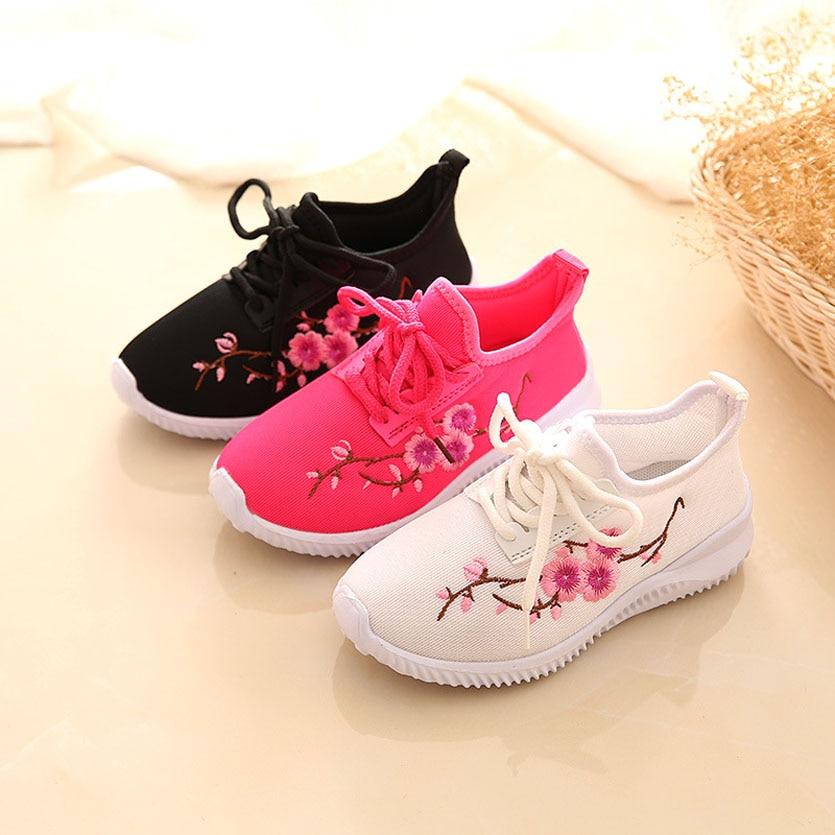 جديد 2017 الفتيات حذاء تنفس الأطفال عارضة الأحذية زهرة chaussure fille الاحذية الرياضية الفتيات الأحذية أزياء أطفال الأحذية