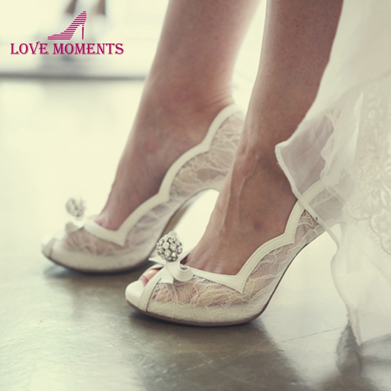 White Lace Peep Toe Wedding Shoes Rhinestone Luxurious Lady High Heels Wedding Party Prom Pumps Bridal Bridesmaid ShoesWhite Lace Peep Toe Wedding Shoes Rhinestone Luxurious Lady High Heels Wedding Party Prom Pumps Bridal Bridesmaid Shoes