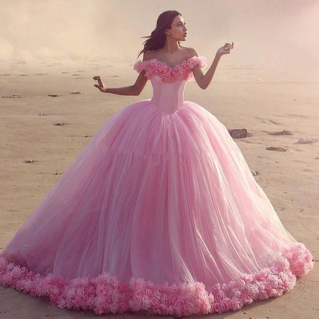2017 lindo rosa tulle quinceanera vestidos sexy decote v off the shoulder vestido de baile quinceanera vestido com flores sweet 16