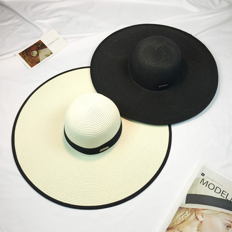 Chapeau en paille pliable pour la plage