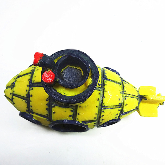 Yellow Submarine Fish Cave Shipwreck Aquarium Ornament Fish Tank