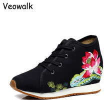 Veowalk/Новые Дизайн цветочной вышивкой Женская Повседневная полотняная обувь на платформе винтажная Дамская классическая посадка на шнуровке хлопок походная обувь