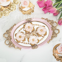 Cocostyles classical european style oval silver mirror tray with gold laser cut handle for royal style home decoration